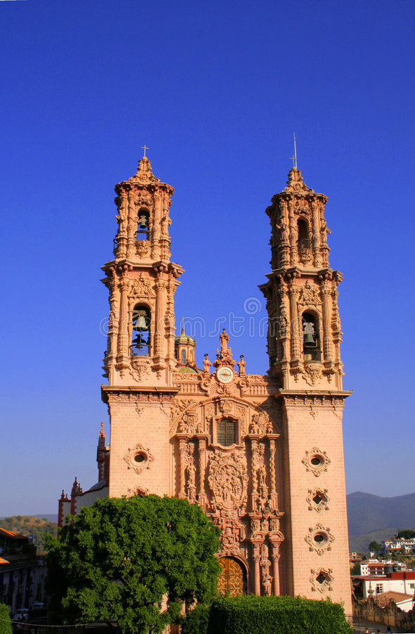 Katholische Taxco Kathedrale stockbilder