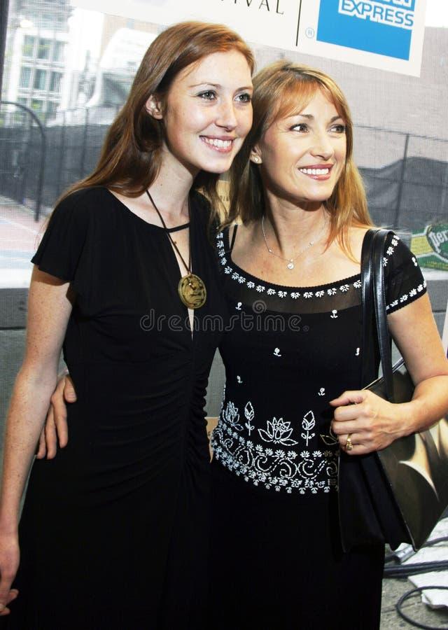 Katie Flynn und Jane Seymour stockbild