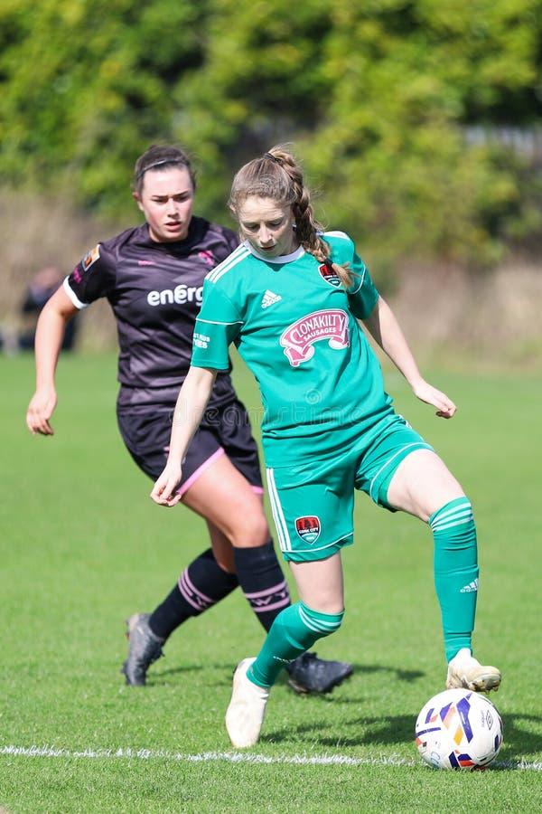 Katie McCarthy pendant le match de ligue national des femmes entre les femmes de Cork City FC et le Wexford Youths images libres de droits