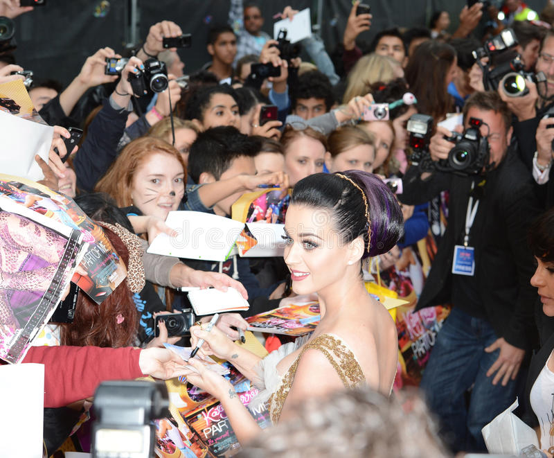 Katie Perry. Katy Perry attends the Katy Perry: Part Of Me premiere at Leicester Square, London, UK. July 3, 2012. Picture: Catchlight Media / Featureflash stock photography