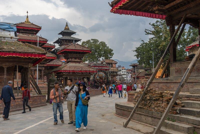 Katmandou, Népal - octobre 2015 : Voyage de touristes autour de Kathman images libres de droits