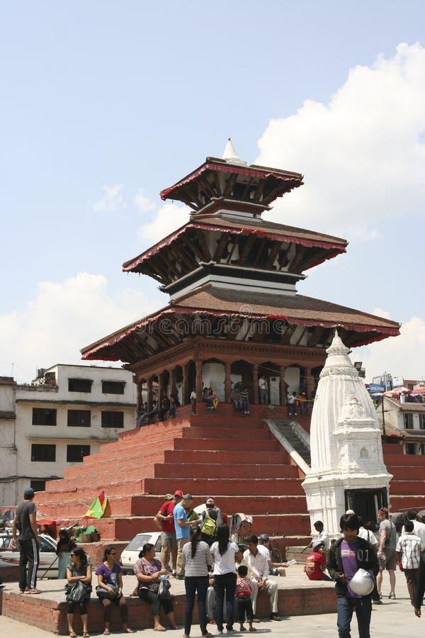 KATMANDU, NÉPAL - 16 avril 2011 : Temple historique dans la vieille ville de Katmandu images stock