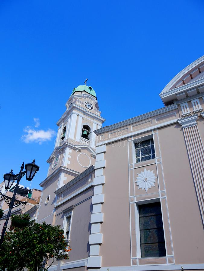 katolicka katedra na skale Gibraltar przy wejściem morze śródziemnomorskie zdjęcia royalty free