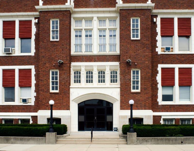 katolsk ingångsskola arkivbild