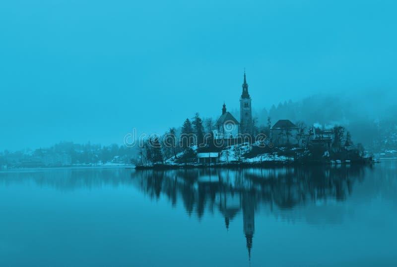 Katolsk kyrka i den blödde sjön royaltyfria foton
