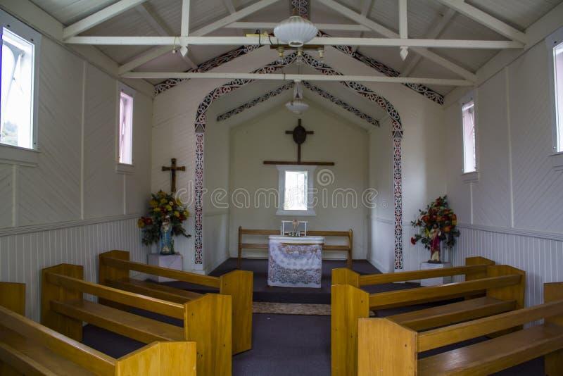 katolsk kyrkainterior royaltyfri bild