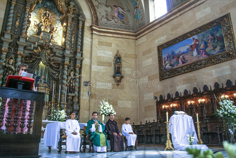 katolsk mass royaltyfri foto