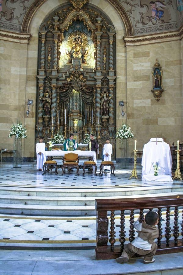 katolsk mass arkivfoton