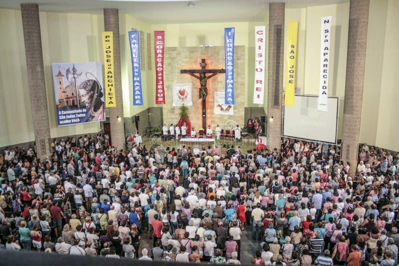 Katolsk mass i heder av St Jude Day arkivfoto