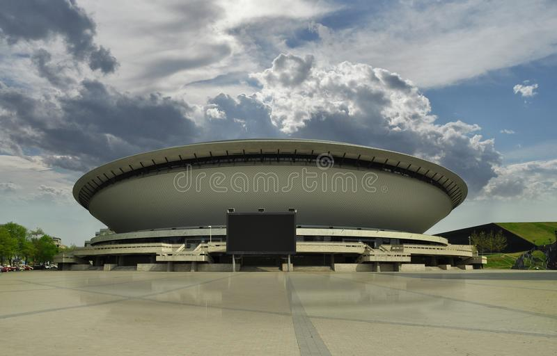 KATOWICE, POLOGNE - 22 avril 2018 : Centre de ville de Katowice Salle de concert futuriste Ville de Katowice il capital de silési photos stock