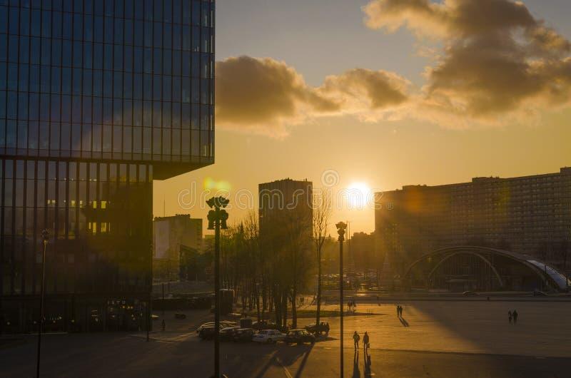 Katowice, ville du centre-ville au coucher du soleil photos libres de droits