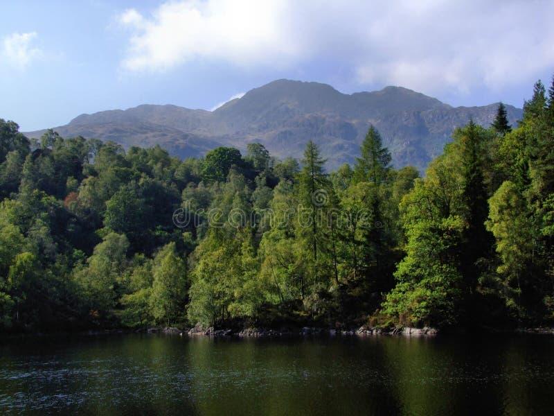 Katrine do Loch da vista imagens de stock