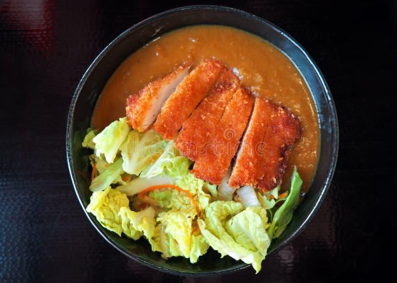 Katsudon - plato japonés tradicional del cuenco de arroz Cocina asi?tica Donburi imagenes de archivo