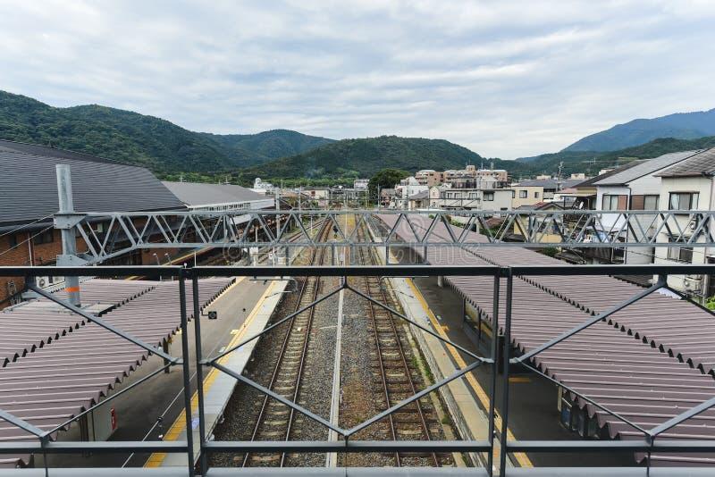 Katsura Station in een Regenachtige en mistige dag royalty-vrije stock fotografie