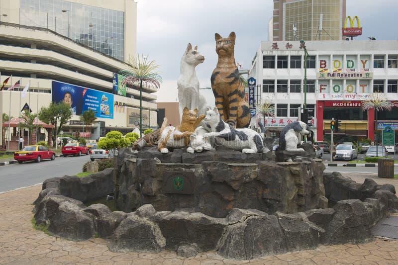 Kattenmonument in Kuching van de binnenstad, Maleisië royalty-vrije stock afbeeldingen
