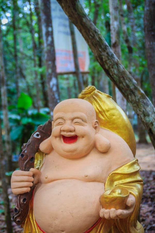 Katyayana of Gautama Buddha in openbare tempel Phra sangkatjay gelukkig en glimlach Boedha voor mensen het bidden Hij is genoemd  stock afbeeldingen
