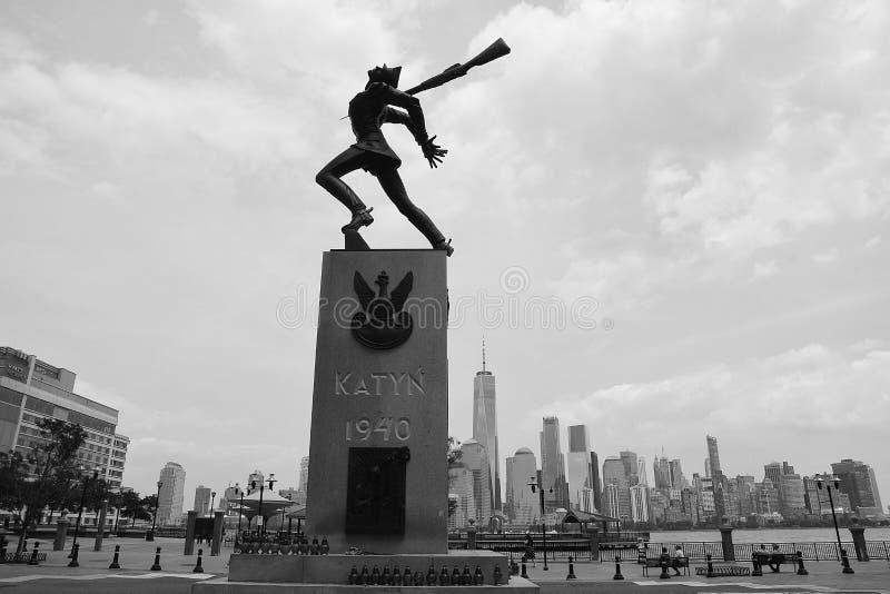 KATYN 1940年雕象在泽西市 图库摄影