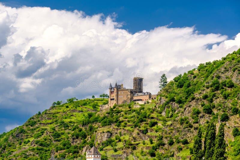 Katz Castle alla valle del Reno vicino alla st Goarshausen, Germania immagini stock