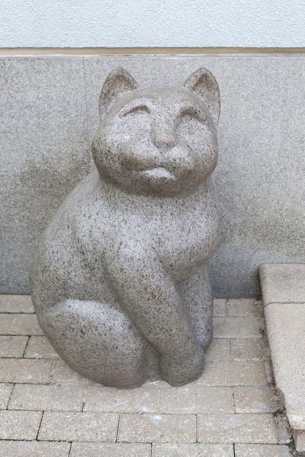 Katze-Skulptur in Riga, Lettland lizenzfreie stockfotos