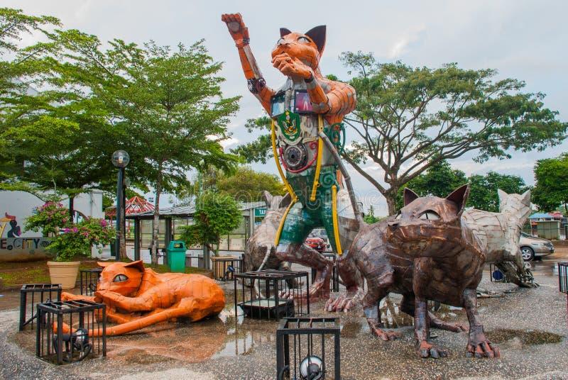 Katzenmonument beim im Stadtzentrum gelegenen Kuching, Sarawak Malaysia lizenzfreies stockbild
