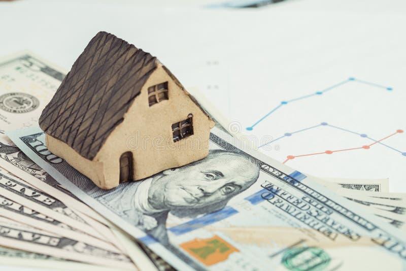 Kaufen Sie und verkaufen Sie Haus oder Immobilien, Wohnungsbaudarlehen, Hypothek und prope lizenzfreies stockfoto