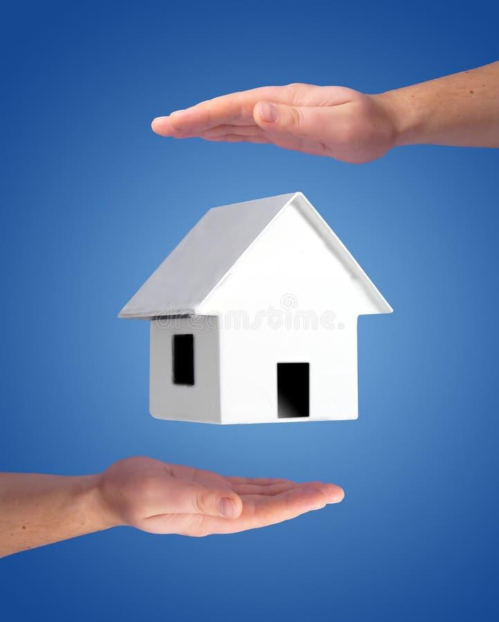 Kaufendes Hauskonzept lizenzfreie stockbilder