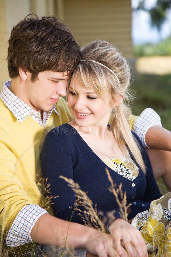 Kaukasisch paar in liefde royalty-vrije stock fotografie
