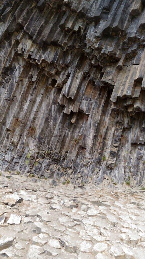 Kaukasische Berge in Armenien Garni-Schlucht Steinsymphonie stockbild