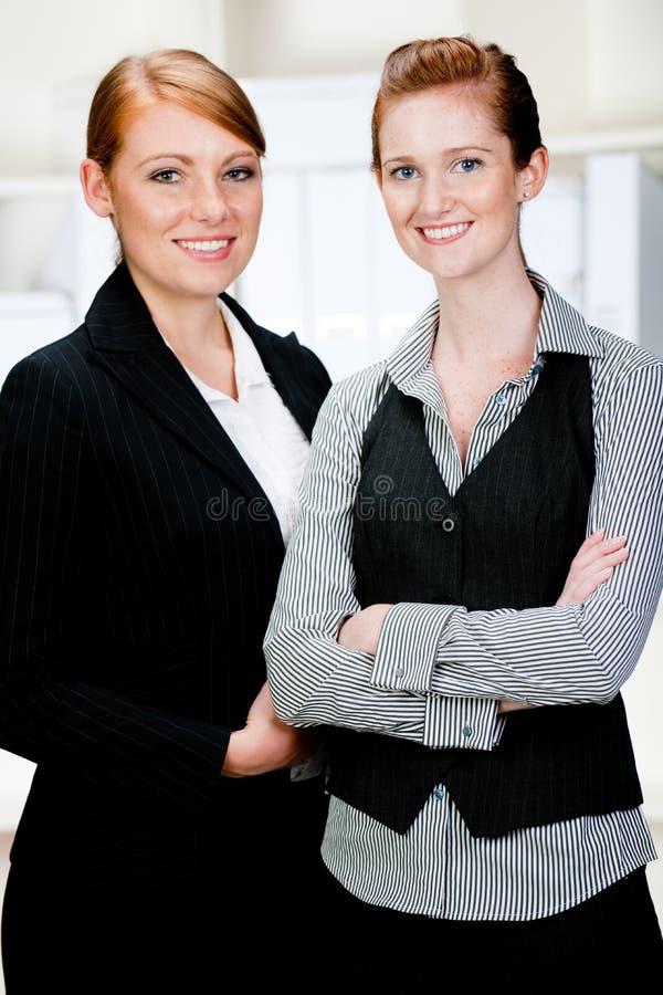 Kaukasische Geschäftsfrauen stockfotos