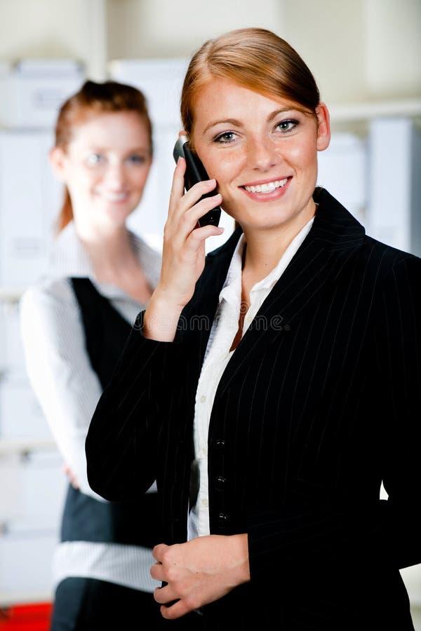 Kaukasische Geschäftsfrauen stockbild