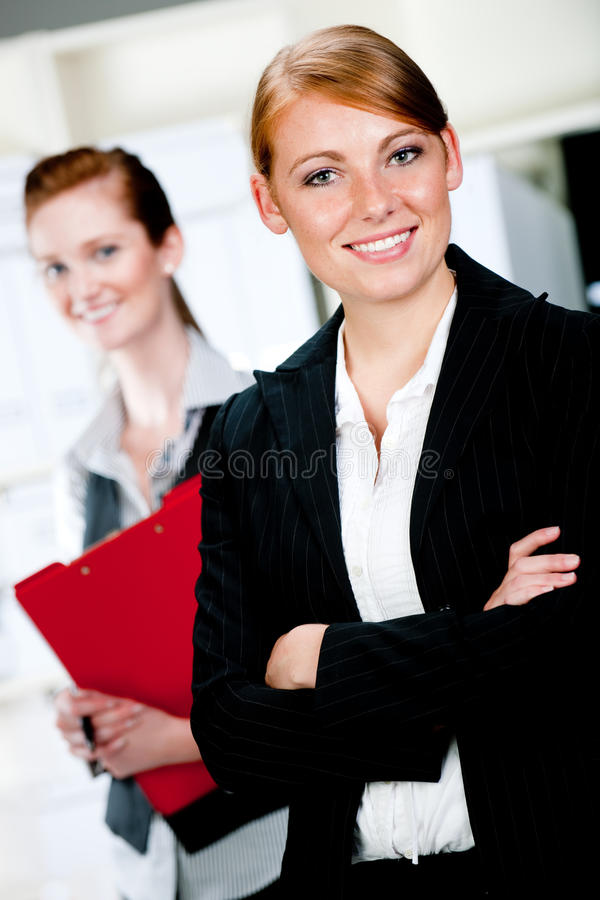 Kaukasische Geschäftsfrauen lizenzfreies stockbild