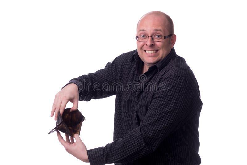 Kaukasische kerel met een lege portefeuille in de handen stock afbeelding