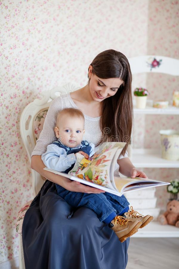Mutter Schlägt Ihr Kind