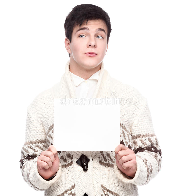 Kaukasischer lustiger zufälliger junger Mann, der Zeichen hält lizenzfreies stockbild