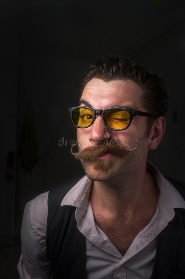 Kaukaski mężczyzna Handlebar wąsy obrazy stock