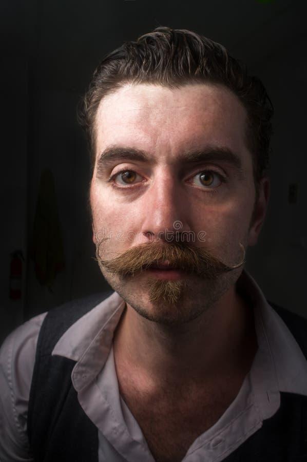 Kaukaski mężczyzna Handlebar wąsy zdjęcie stock