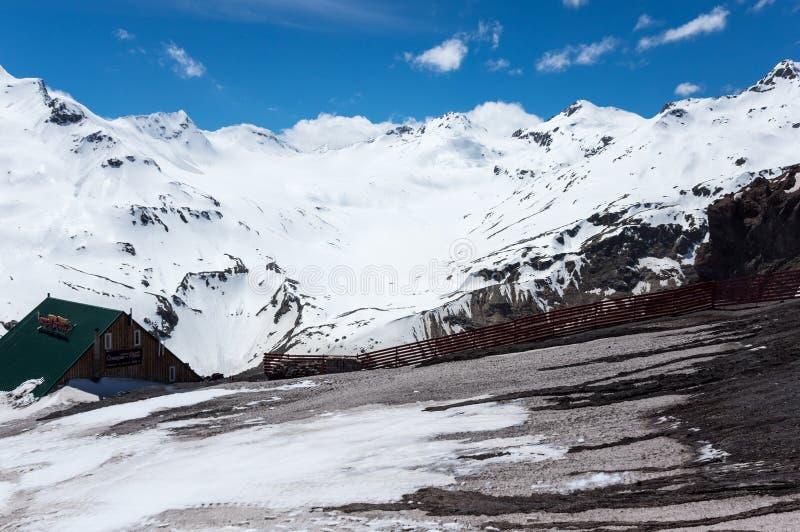 Kaukasus berg i Ryssland arkivfoton