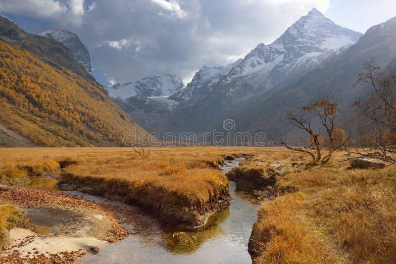 Kaukasus dal royaltyfria foton