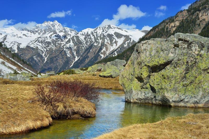 Kaukasus landskap royaltyfri fotografi