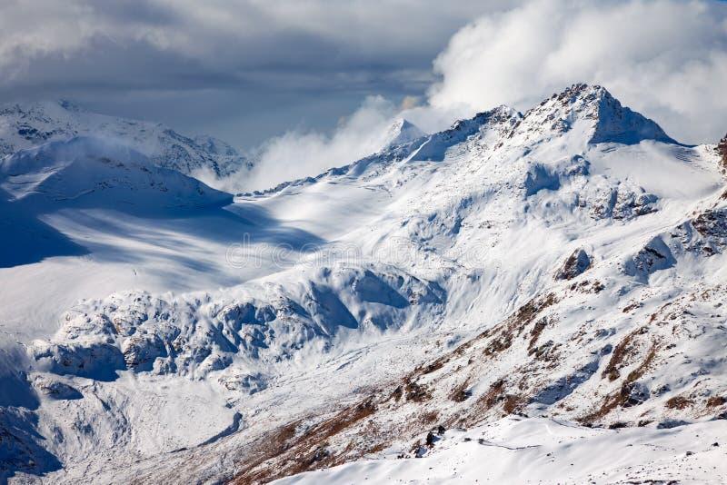 Kaukasus mountains-4 stockbilder