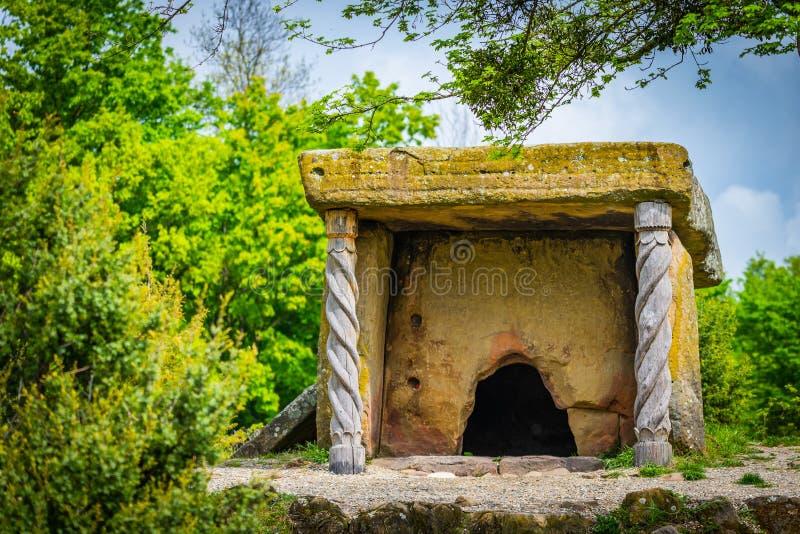 Kaukaz starzy dolmeny zbliżają Czarnego morze w Rosja obrazy royalty free