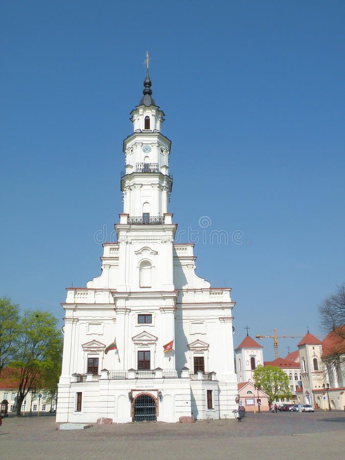 Kaunas city hall. (Lithuania). Dating from the 16th century and nicknamed 'The White Swan' for obvious reasons it was once used for weddings during the soviet stock images