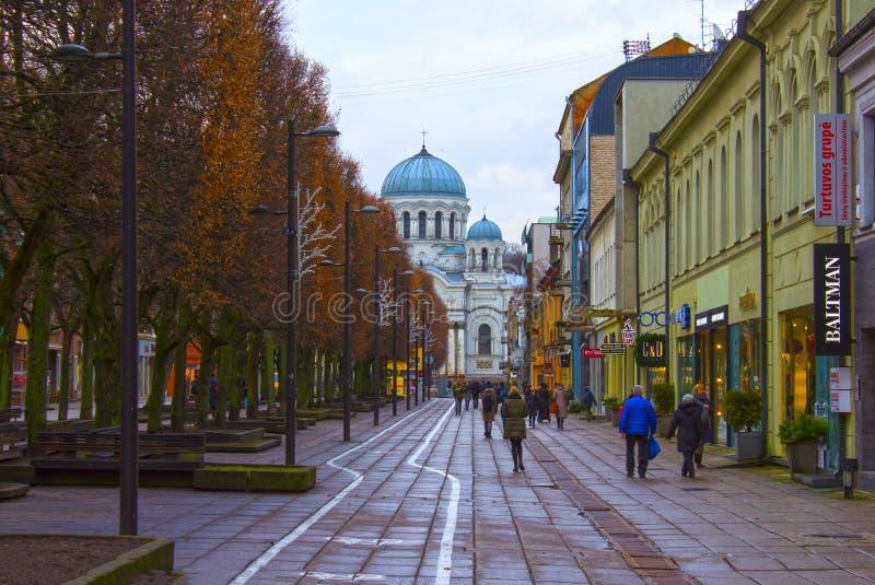 Kaunas Litauen - Januari 02, 2017: Katolsk Sankt ärkeängelMichael kyrka i Kaunas, Litauen royaltyfria bilder