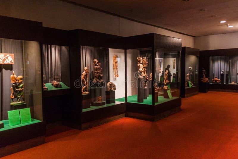KAUNAS LITHUANIA, SIERPIEŃ, - 17, 2016: Wnętrze diabła muzeum w Kaunas, Lithuani zdjęcia stock