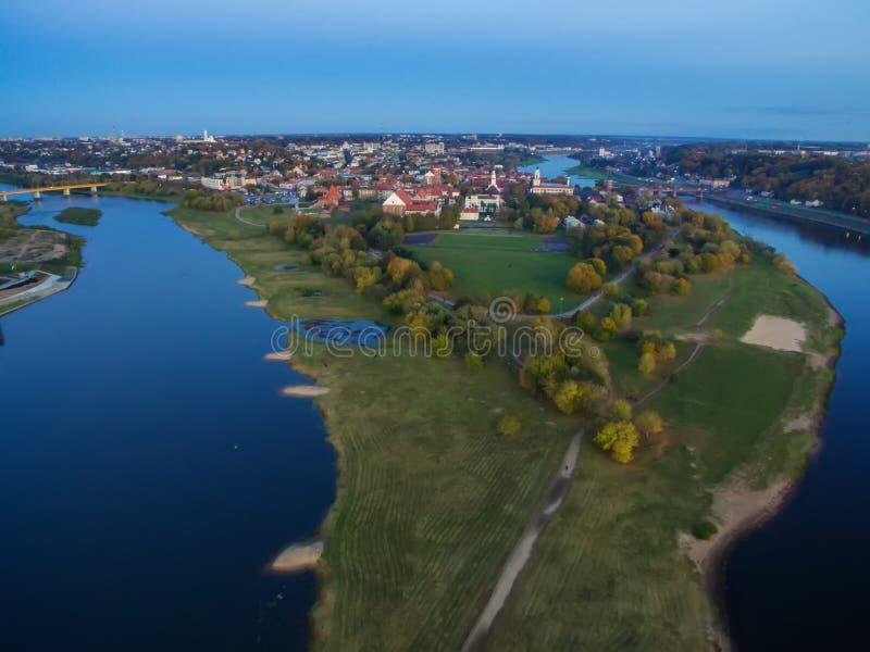 Kaunas, Litouwen: Santaka, kruising van rivieren Nemunas en Neris royalty-vrije stock afbeelding