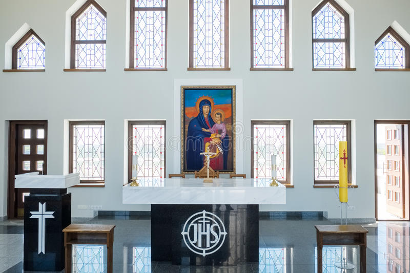 Kaunas, Lituania - 12 maggio 2017: Dentro del nostro Lord Jesus Christs Resurrection Basilica a Kaunas fotografia stock