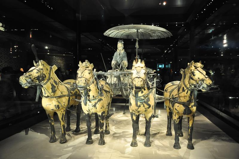 Kavalleri av terrakottaarmén Terrakottaarmé Lerasoldater av den kinesiska kejsaren Kavallerit av terrakottaarmén arkivbild