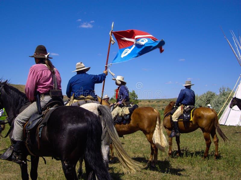 Kavalleri för USA 7th sjunker på striden av Little Bighornreenactmenten arkivbilder