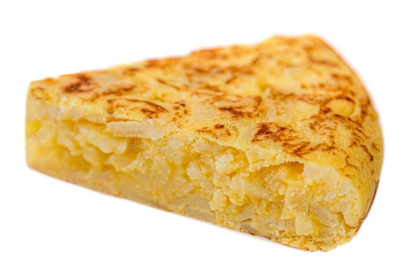 Kawałek omlet z jajkami i grulami odizolowywającymi na białym tle Hiszpański Omelette - Tradycyjny Tortilla Tapas De Patatas obraz royalty free