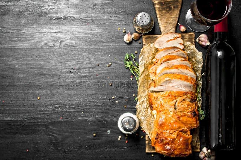 kawałek piec na grillu mięso z czerwonym winem fotografia royalty free